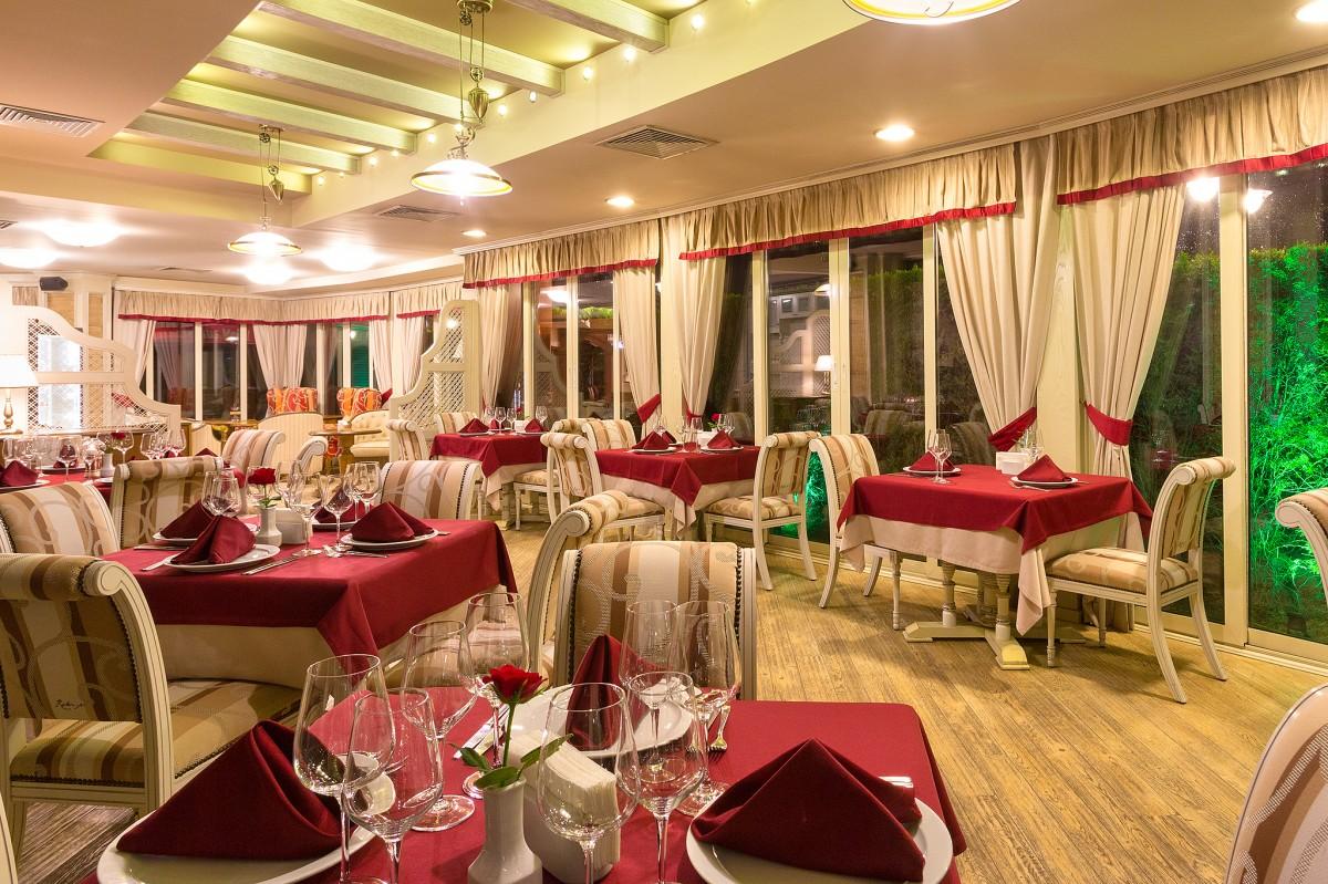 Magnificent mediterranean restaurant design